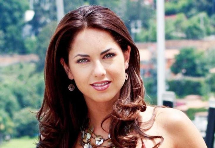 La actriz mexicana Bárbara Mori denunció un falso perfil de facebook que llevaba su nombre y en la cual pedían dinero en nombre de la actriz. (Notimex)