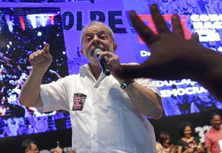 El expresidente Da Silva podría presentarse para un tercer mandato en Brasil. (AP/Eraldo Peres)