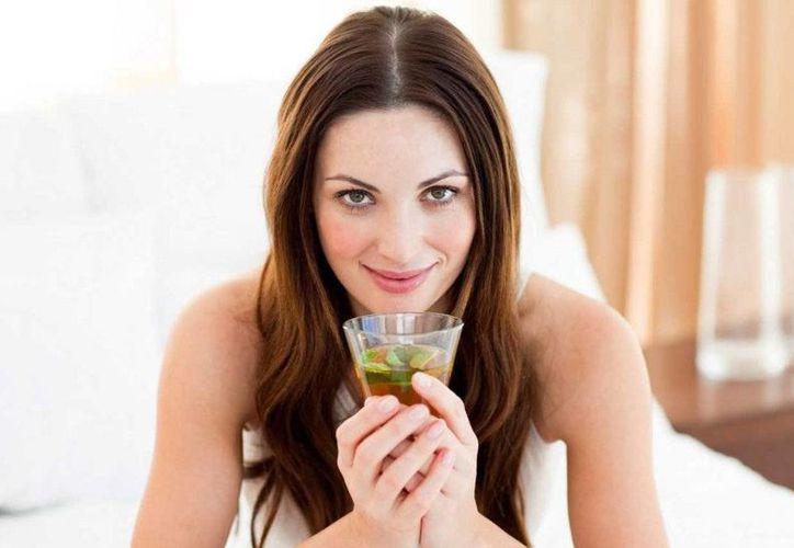 El té verde ha ido ganando terreno gracias a los beneficios que otorga a la salud. Imagen de contexto. (noticiasggl.com)
