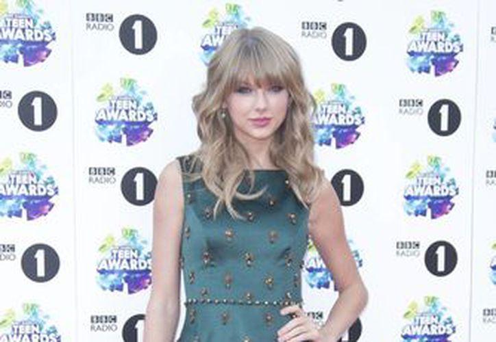 Taylor Swift obtuvo el premio de Fenómeno en YouTube. (Agencias)