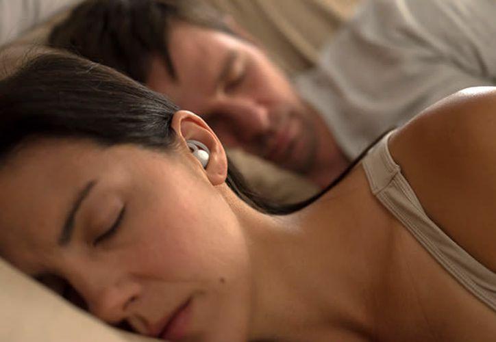 Los intraauriculares inalámbricos en lugar de reproducir música cancelan el ruido ambiental. (Foto: Bose)