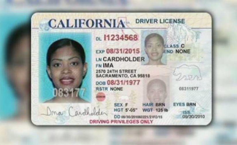 El diseño de las tarjetas de conducir para ilegales llevará la inscripción 'se aplicarán límites federales'. La imagen cumple fines meramente ilustrativos. (observatoriocolef.org)