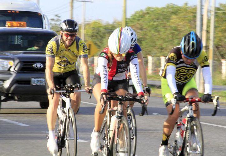 Las actividades como el atletismo y el ciclismo, han ido en aumento desde hace unos años. (Sergio Orozco/SIPSE)