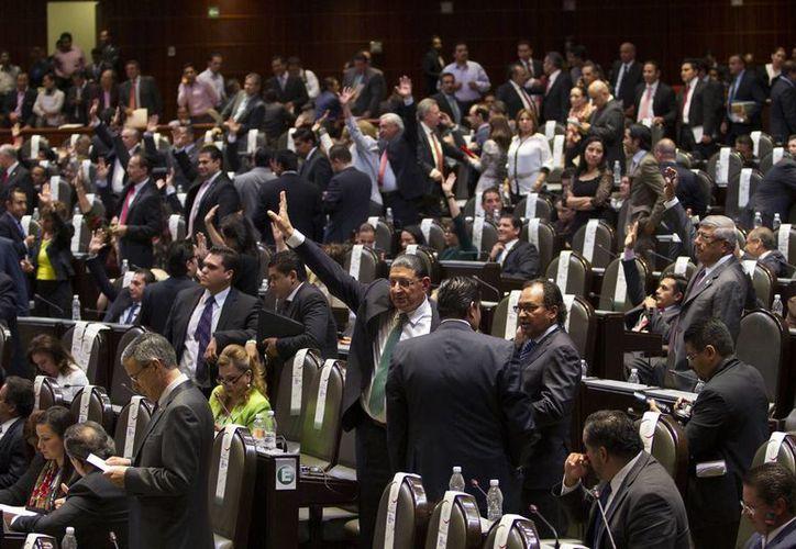Los legisladores corrigieron algunas imprecisiones de la Ley General en Materia de Delitos Electorales. (Notimex)