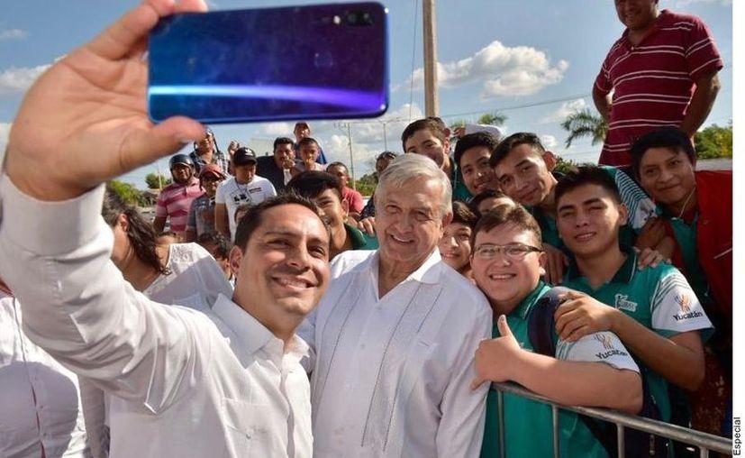 López Obrador se reunió con pobladores en Tekax, Yucatán. (Agencia Reforma)