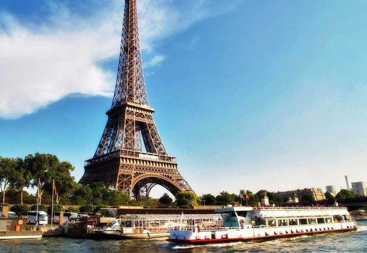 La Torre Eiffel es uno de los símbolos de identidad de la capital de Francia. (Businness Insider)