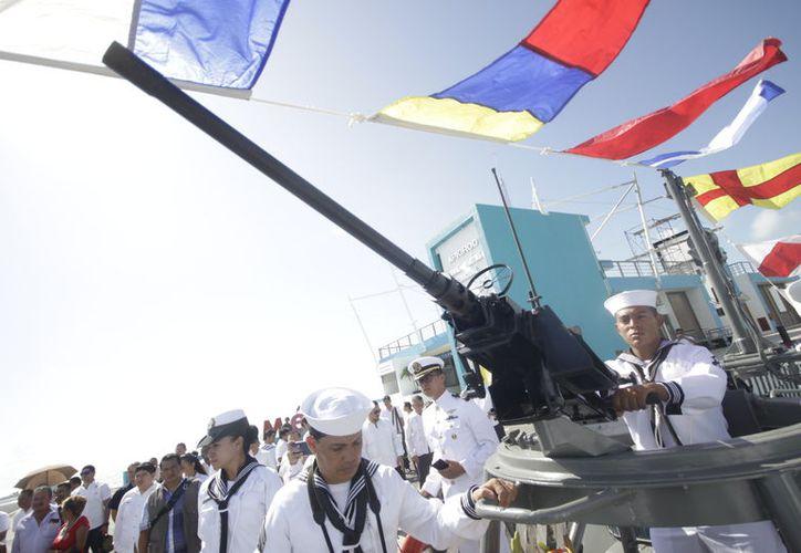 En los últimos días, elementos operativos, administrativos y de reacción, de la Secretaría de Marina, tienen mayor presencia en puntos estratégicos de la entidad. (Daniel Tejada/SIPSE)