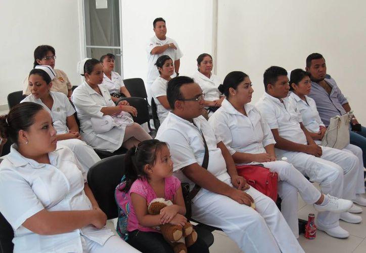 La primera generación de  la Licenciatura en Enfermería de Cozumel está conformada por 15 estudiantes. (Irving Canul/SIPSE)