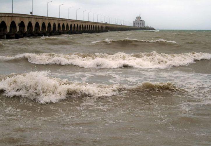 Se prevén lluvias de ligeras a moderadas en Yucatán y Quintana Roo. La imagen es del puerto de Progreso, Yuc. (Archivo/Notimex)