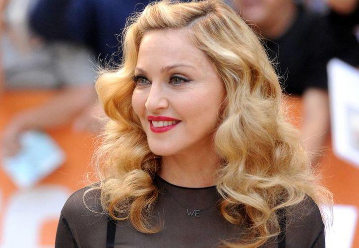 En la subasta se ofrecerán vestidos de Madonna, la reina del pop. (cbsnews.com)