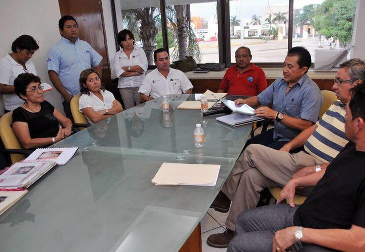 Reunión de los 14 integrantes para deliberar a los aspirantes. (Redacción/SIPSE)