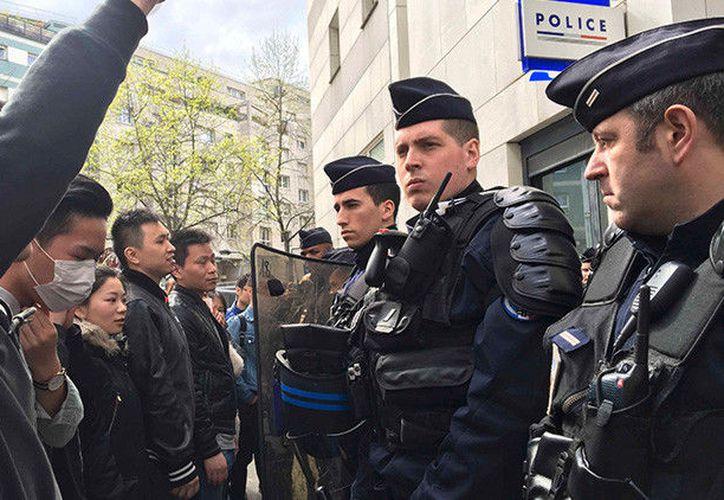 Un diplomático francés ha sido convocado por las autoridades chinas en Pekín para pedirle explicaciones acerca de la muerte de su ciudadano Shaoyo Liu. (RT)