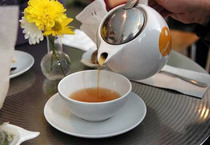 Expertos recomiendan consumir té sin abusar, pues  aunque la mayoría son beneficiosos existen contraindicaciones. (Foto de Contexto/Internet)