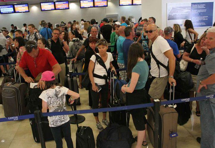La activación de las rutas aéreas es para satisfacer la demanda de los turistas. (Israel Leal/SIPSE)