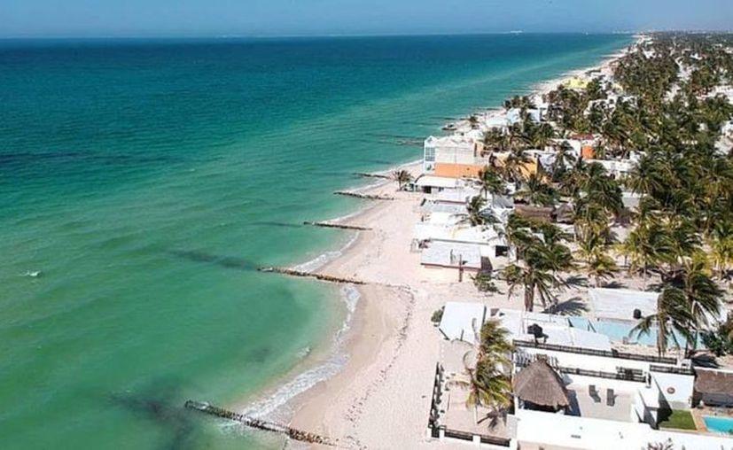 Las denuncias de personas en las playas se han concentrado en sitios como Uaymitún, Chelem y la zona de Chuburná. (Foto: redes sociales)