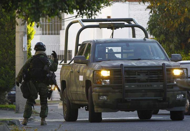 Las autoridades mexicanas han abatido o capturado a varios de los delincuentes más buscados. En la imagen, un operativo del Ejército en Guadalajara, Jalisco. (Archivo/Notimex)