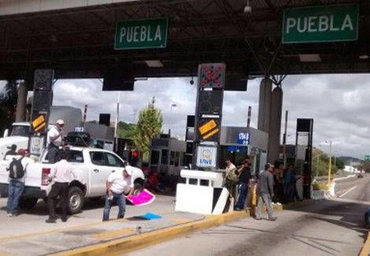 Los miembros de la CNTE amenazaron con tomar tiendas de conveniencia y plazas comerciales. (Milenio)