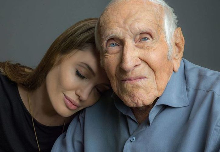 Zamperini le regaló a Jolie un colgante de oro en forma de zapatilla deportiva.(Milenio)