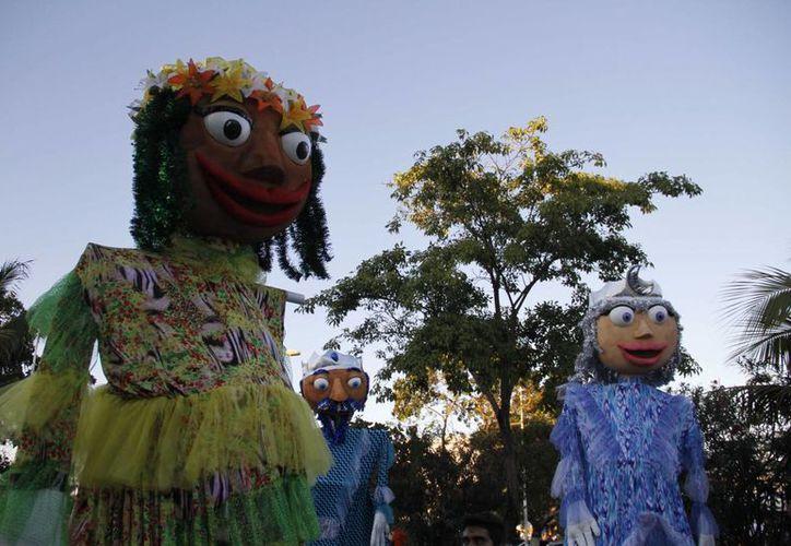Las autoridades de la alcaldía portomorelense ya emitieron la convocatoria para los concursos de comparsas y disfraces que se llevarán a cabo durante la festividad. (Israel Leal/SIPSE)