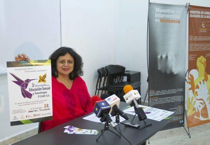 Rossana Achach Cervera, coordinadora de la primera jornada nacional 'Educación sexual y sexología' habló sobre la necesidad urgente de crear diálogos entre padres e hijos. (Notimex)