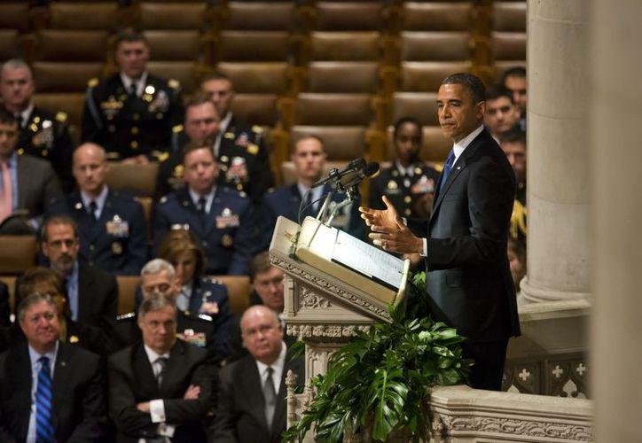 Unos 400,000 ciudadanos pidieron al presidente de EU, Barack Obama, debatir el uso de armas en territorio estadounidense. (EFE)