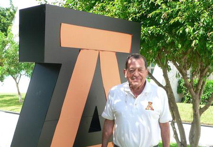 El entrenador de Los Leones, Jacinto Licea Mendoza, ha logrado excelentes resultados va a su primera semifinal.