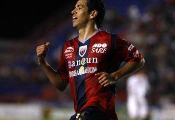 """Destaca Arturo """"Chino"""" Muñoz como mediocampista. (Ángel Mazariego/SIPSE)"""