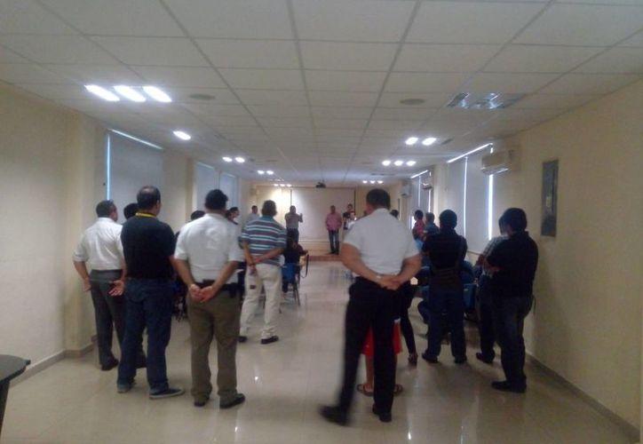Ayer se realizó una reunión en el auditorio de la Fiscalía de la zona norte. (Eric Galindo/SIPSE)
