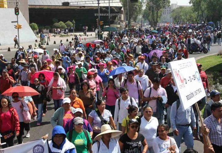 Tras el nombramiento de Alfredo Alvarez Valenzuela como jefe de policía de Acapulco, miles de transportistas y comerciantes bloquearon los accesos al puerto y algunos atacaron la Secretaría de Seguridad Pública. (Notimex/Foto de contexto)
