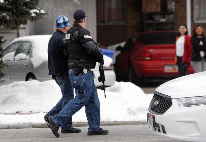 Ahora en Utah las armas automáticas que  se venden sin control en Estados Unidos cobraron tres vidas. (Agencias)