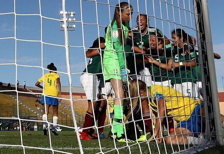 La Selección Femenil Sub-17 se impuso a su similar de Brasil 1-0 en el segundo partido del Mundial que se disputa en Uruguay. (Foto: Internet)