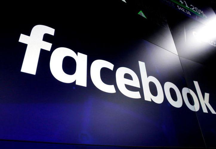 Facebook aseguró que no rastreará contraseñas ni nombre de usuario. (AP Foto/Richard Drew, Archivo)