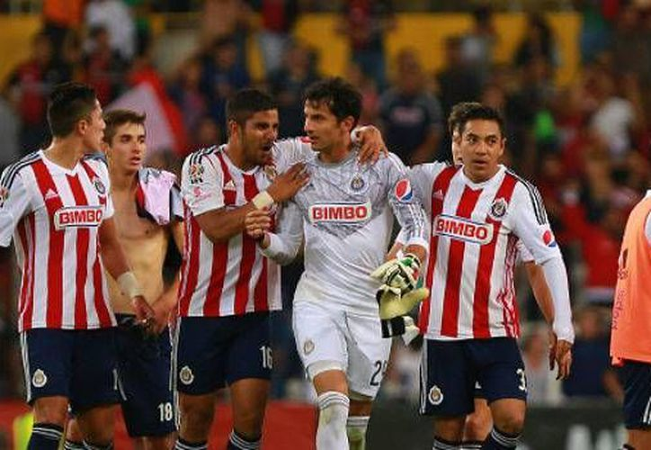 Con el 4-1 sobre Atlas, Chivas de Guadalajara clasifica a la semifinal del futbol mexicano. (hoyenelfutbol.com)