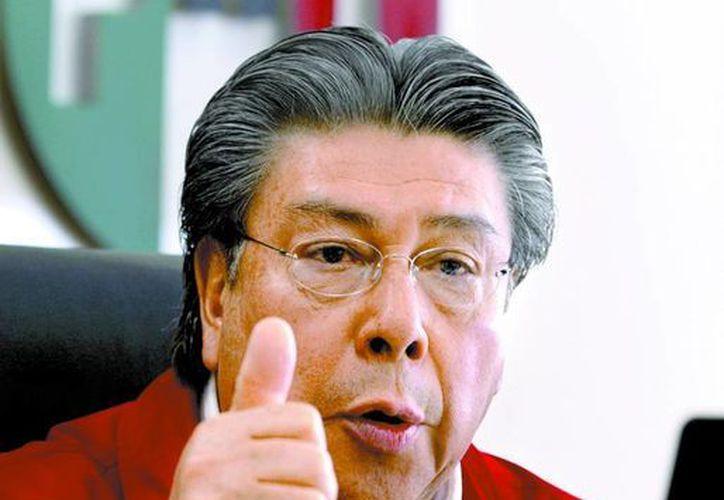 El secretario de acción electoral del PRI, Samuel Aguilar, asegura tener un ejército de representantes y abogados para la jornada electoral del próximo 7 de julio. (Milenio)