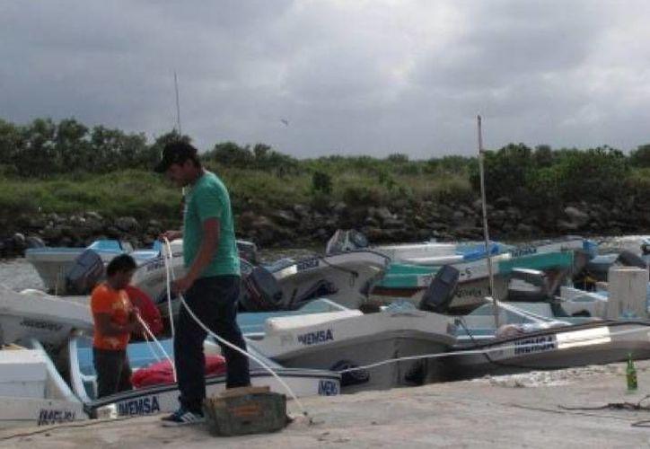 La embarcación de los pescadores extraviados tiene base en el puerto de Dzilam Bravo. (SIPSE)