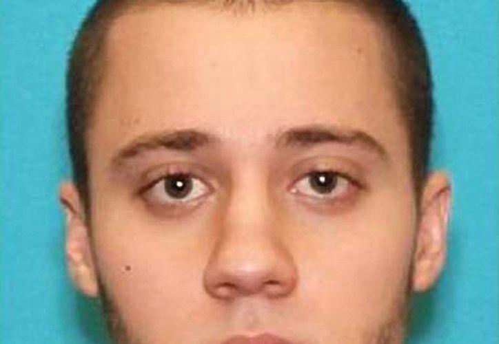 Foto proporcionada por el FBI que muestra a Paul Ciancia, de 23 años, acusado del fatal tiroteo en el aeropuerto de Los Angeles donde murió una persona y seis quedaron heridas. (Agencias)
