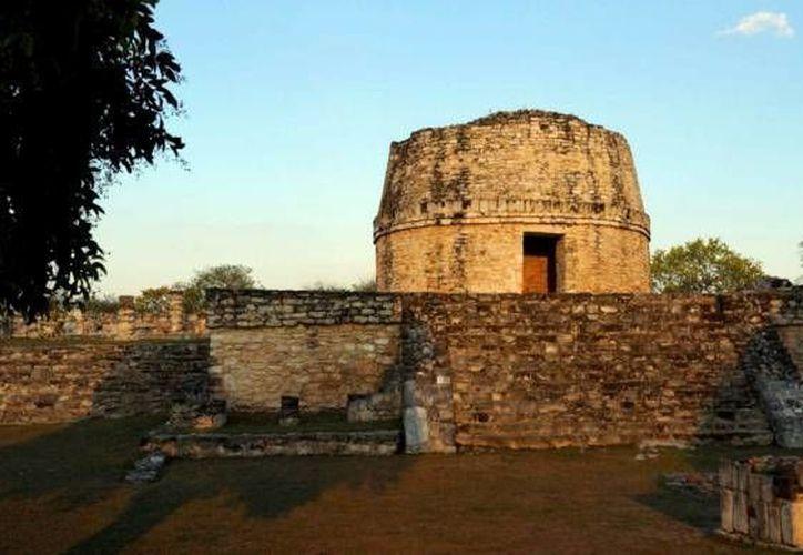 El Centro de Documentación Maya contará con información arqueológica. En la foto, el Observatorio de Chichén Itzá. (SIPSE/Archivo)