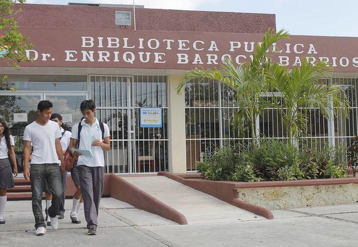 Este mes la biblioteca ha recibido un promedio de 83 visitas diarias. (Jesús Tijerina/SIPSE)