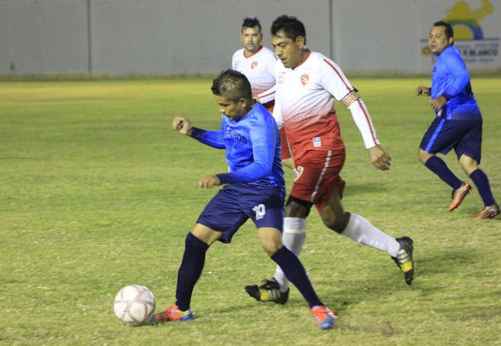 Lex Búhos dominó el juego y fue insistente, pero falló en la contundencia y Zurdito Valdés, concretó las oportunidades que generó. (Miguel Maldonado/SIPSE)