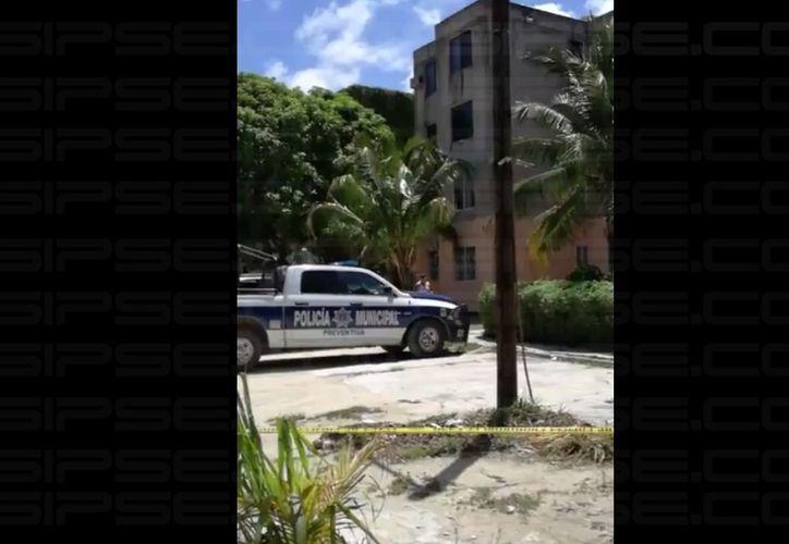 Un sujeto es hallado sin vida en el edificio 'Primavera'. (Luis Hernández/ SIPSE)