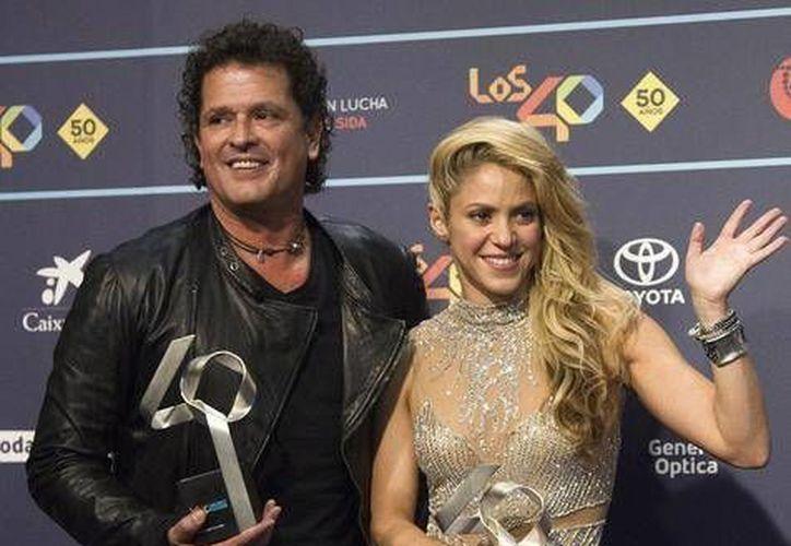 Carlos Vives y Shakira han sido acusados de copiar una de las emblemáticas canciones del interprete cubano Livan.(Archivo/AP)