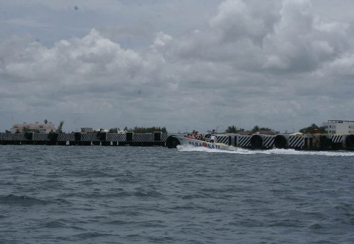 El punto de carga recibe y manda mercancía a otros países bajo el servicio de embarcaciones de altura. (Tomás Álvarez/SIPSE)
