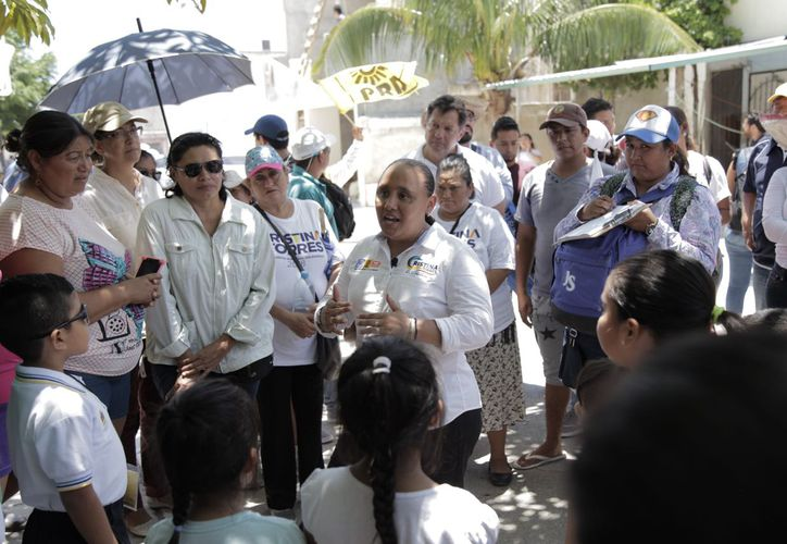 Cristina compartió con los vecinos sus propuestas para continuar trabajando por el bienestar de las familias de Puerto Aventuras.