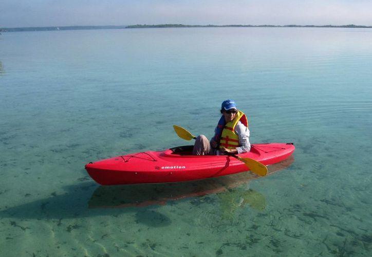 En dicha justa deportiva pueden participar desde balsas, canoas y kayaks. (Javier Ortiz/SIPSE)