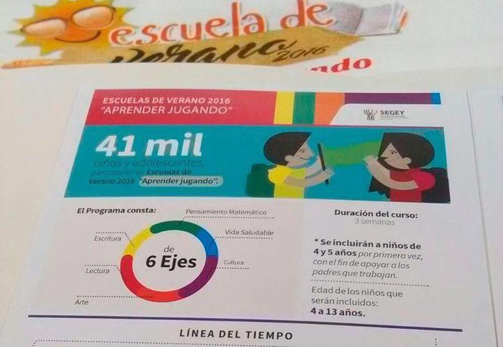 Cartel informativo del avance del programa Escuelas de Verano que este año incluirá a niños de preescolar. (Ana Hernández/SIPSE)