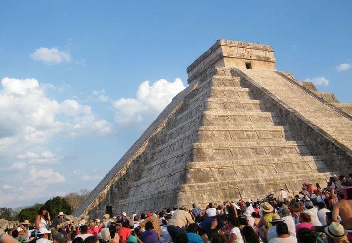 Prevén que en marzo próximo ya esté funcionando el nuevo sistema de luz y sonido de Chichén Itzá. (SIPSE)