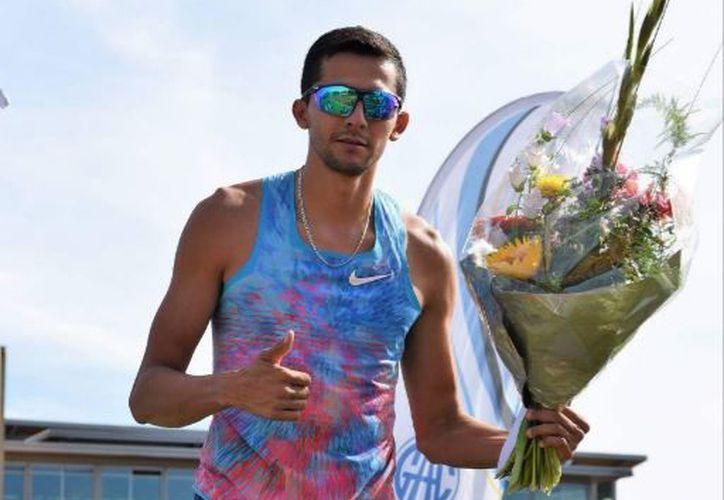 Alberto Álvarez Muñoz dijo que también está participando en algunas competencias. (Miguel Maldonado/SIPSE)
