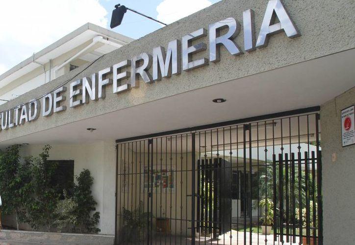 Programa de la Facultad de Enfermería de la Uady recibirá dictamen de calidad de la carrera de Licenciatura de Trabajo Social, en Mérida. (Milenio Novedades)