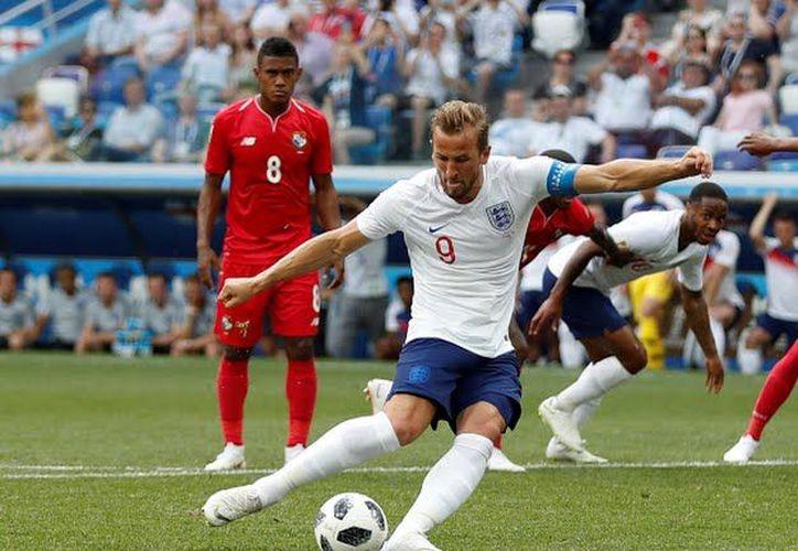 Tal vez Inglaterra no llegue lejos, pero Harry Kane podría escribir su nombre con letras de oro en Mundiales (Foto: Twitter @El Gambetero)