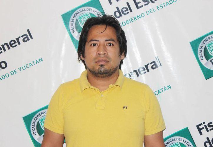 Román Antonio Trinidad Magaña estafó a varias personas en el Sureste con el argumento de conseguirles empleo en Pemex. (Cortesía)